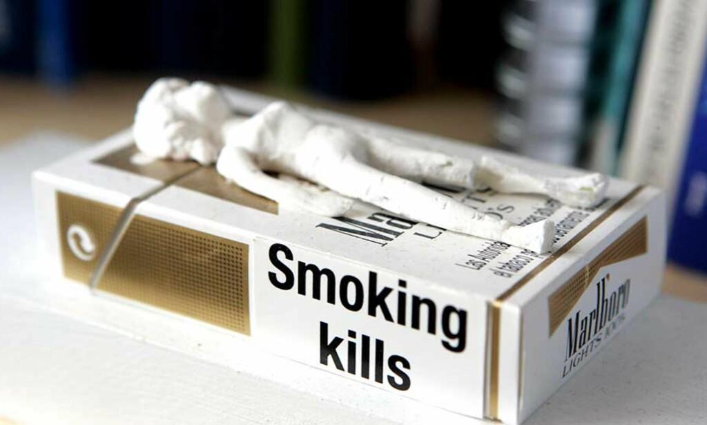 -GOD DOKUMENTERT:   - Folk vet at det er farlig å røyke. Da synes vi det er riktig å øke prisen, sier Jan Otto Risebrobakken i Storebrand. Foto: Cornelius Poppe / SCANPIX