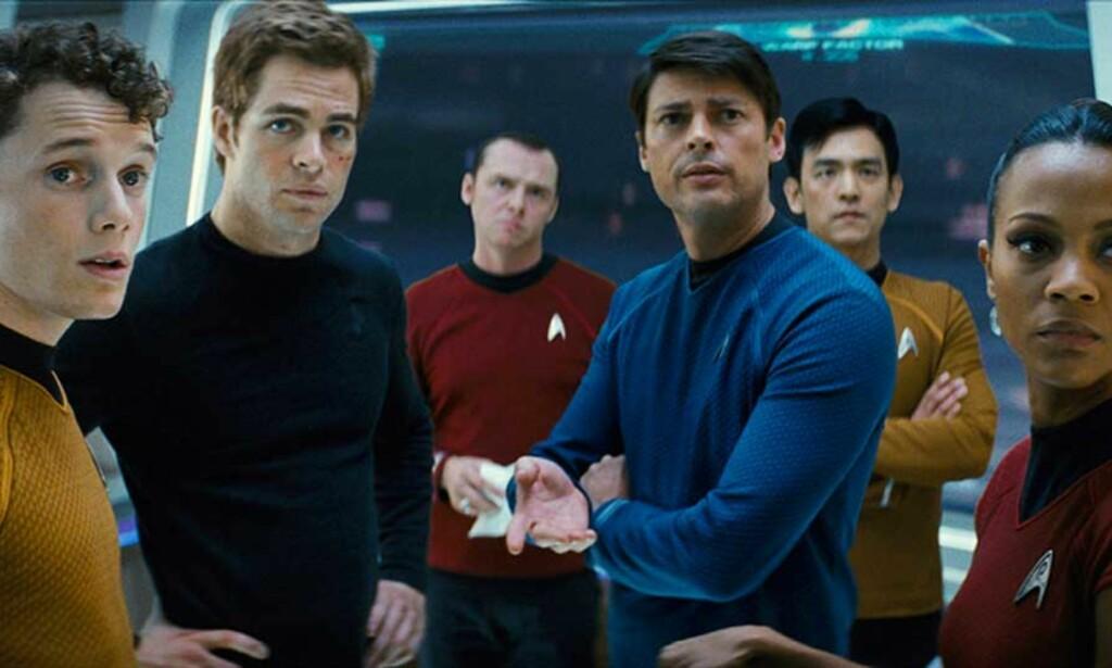 ENTERPRISE-GJENGEN: Fra venstre: Anton Yelchin som Chekov, Chris Pine som James T. Kirk, Simon Pegg som Montgomery Scott, Karl Urban som Dr. McCoy, John Cho som Sulu og Zoe Saldana som Uhura.