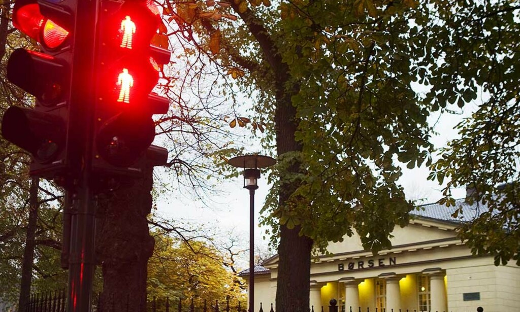 I RØDT: Oslo Børs opplevde onsdag at oppgangen tidligere i uken ble spist opp i løpet av onsdag. Foto: Heiko Junge/Scanpix