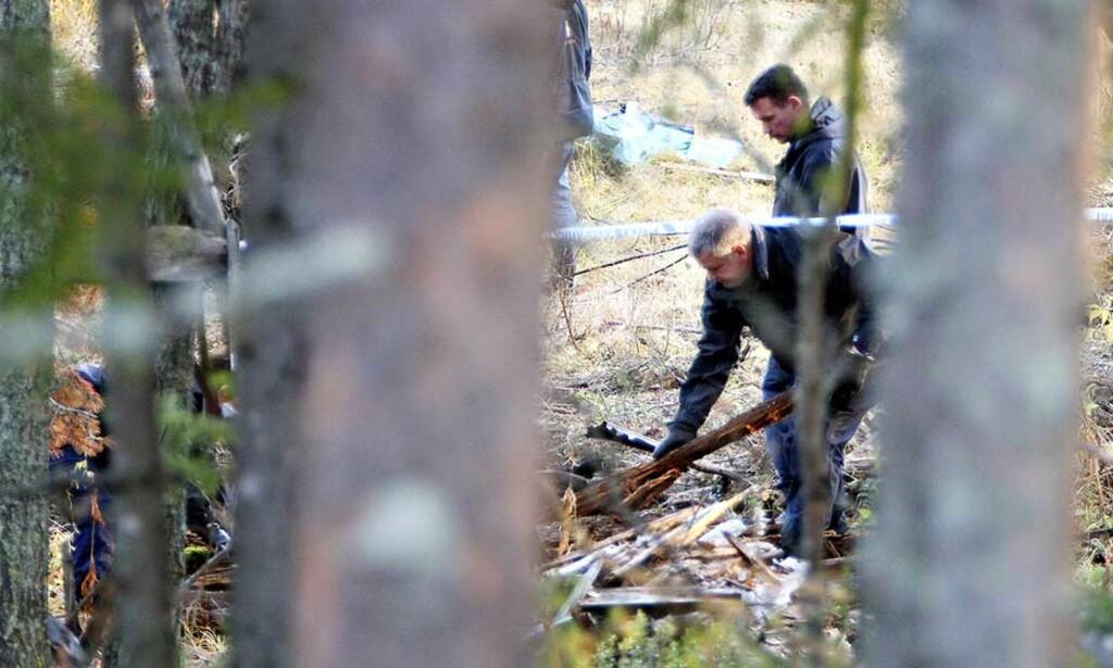 FUNNET: Svensk politi bekrefter at de har funnet det som etter all sannsynlighet er liket av Carolin Stenvall. Dette bildet er tatt under tidligere leting etter 29-åringen. Foto: EXPRESSEN