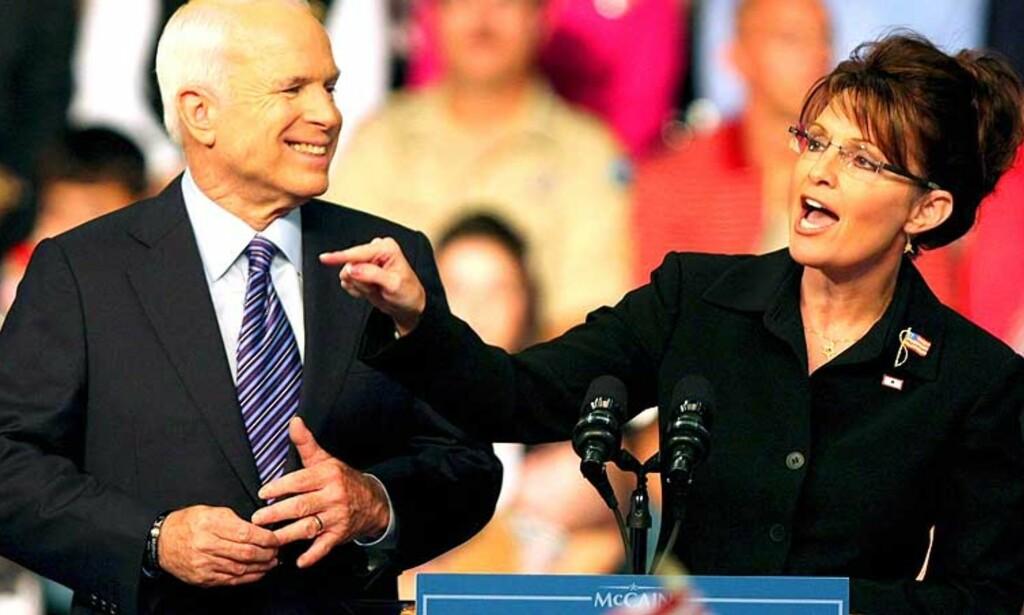 DÅRLIG VALG: Republikanernes presidentkandidat John McCain får krass kritikk fra amerikanske medier for valget av Sarah Palin som visepresidentkandidat. Foto: Mark Lyons/Scanpix/EPA
