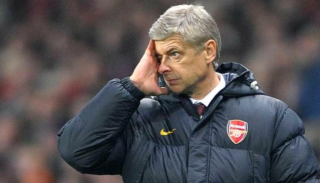 <strong><b>ER DET MULIG?:</strong></b> Arsene Wenger så sitt lag brenne mulighet på mulighet. En frustrerende uke for franskmannen. Foto: SCANPIX
