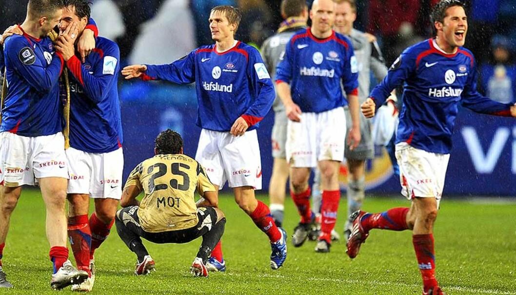 <strong><b>LANGT BAK:</strong></b> Stabæk og Alanzinho, her omgitt av jublende cupmestere, ligger langt bak de fremste klubbene i «Klubben i mitt hjerte». Foto: Heiko Junge, Scanpix