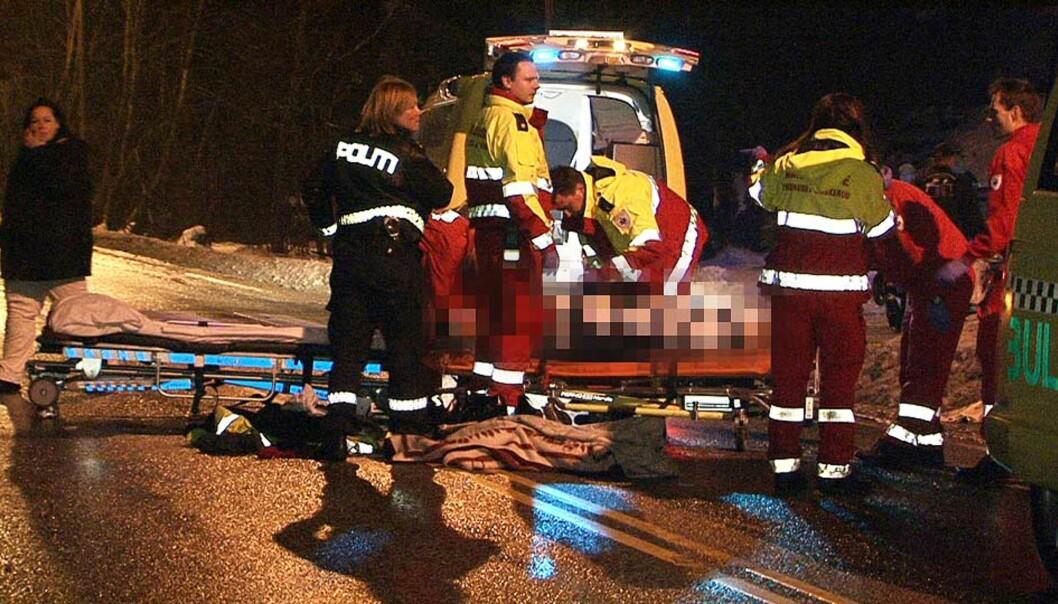<strong><b>FRAKTET TIL SYKEHUS:</strong></b> Den 70-årige kvinnen som ble påkjørt, ble fraktet til Sykehuset Buskerud i Drammen. Foto: TOR KEISER
