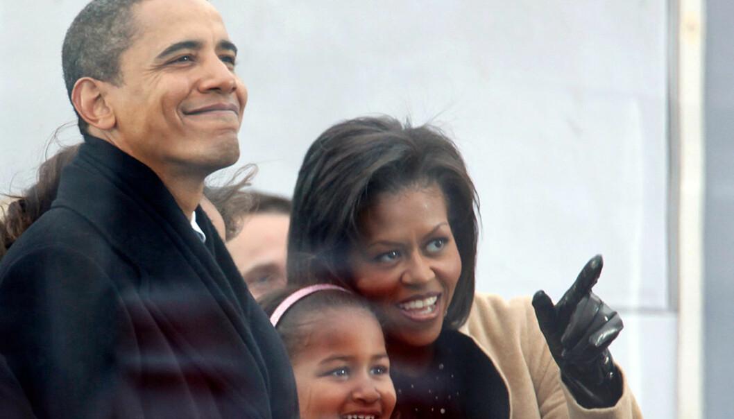 <strong><b> PÅ KONSERT:</strong> </b> Barack Obama, fru Michelle og yngstedatter Sasha koste seg med stjernene på scenen i Washington D.C. Foto: AFP/SCANPIX.