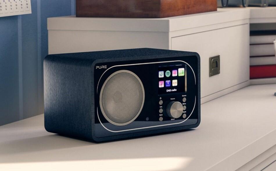FORTSATT RADIO-GLEDE: At FM forsvinner blir ikke noe stort tap, mener Dinsides kommentator. (Foto: Pure)