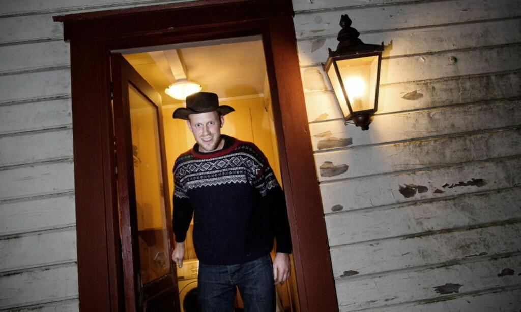 TRIVES PÅ SKJERNØY: Oddvar Jenssen har ikke lagt skjul på at det sitter langt inne hos ham å tenke på å flytte fra hjemstedet Skjernøy. Foto: Tomm W. Christiansen / Dagbladet