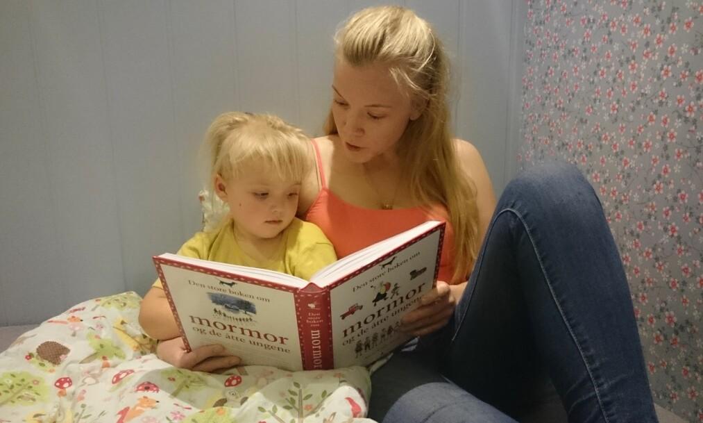 STRESSFRI LEGGETID: Kristine mener datteren på tre år fint kan styre når hun skal sove og hvor mye søvn hun har behov for. Foto: Privat
