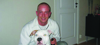 I 2010 forsvant 30 år gamle Cato sporløst.  Moren Rakels største ønske er likevel å kunne invitere ham hjem til jul