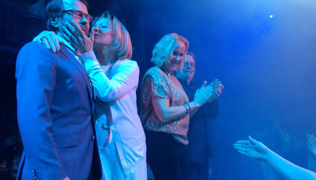 SAMLET IGJEN: I januar stod ABBA-medlemmene igjen samlet på samme scene i forbindelse med premieren på showet «Mamma MIa - The Party!». (F.v.): Björn Ulvaeus, Agnetha Fältskog, Anni-Frid Lyngstad og Benny Andersson. Foto: Scanpix