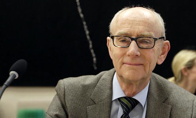 - LOVBRUDD: Professor Jan Fridthjof Bernt er klar i sin kritikk av Kommunal- og moderniseringsdepartementets håndtering av kommuikasjon med Slottet. Foto: Vidar Ruud / NTB scanpix
