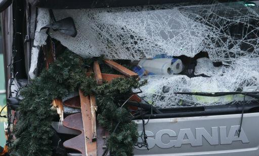 image: Tror polsk sjåfør levde da lastebilen pløyde gjennom menneskemengden