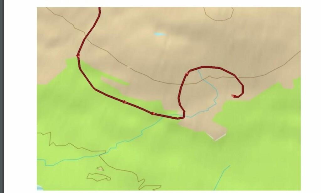 REISERUTA: Kartet beskriver pilotens ferd inn mot havaristedet i Reisadalen.