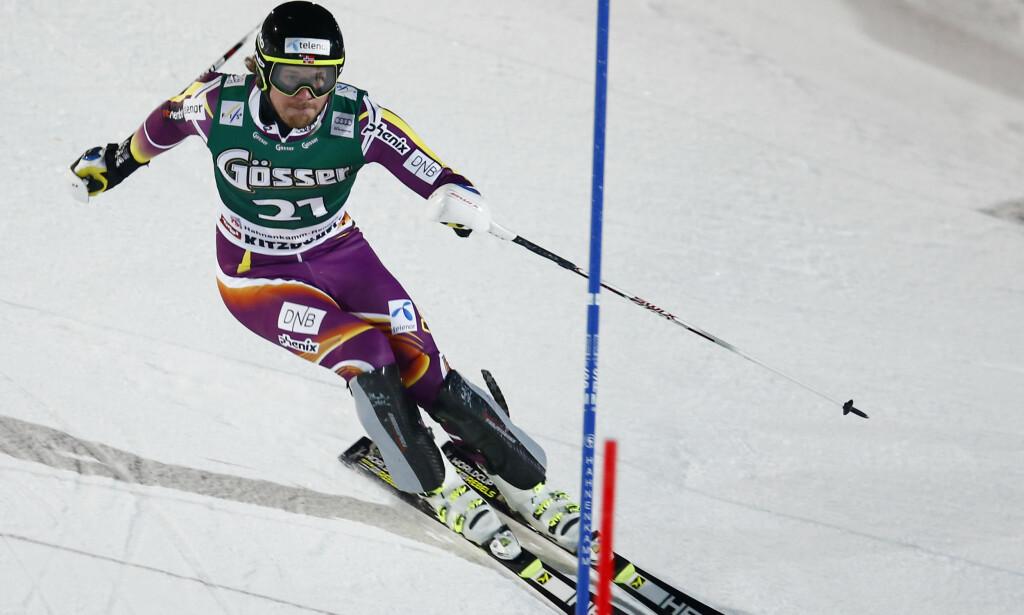 SUPERKOMBO KAN BLI REDNINGEN: Om Kjetil Jansrud skal ha mulighet til å stikke av med den aller største kula, må han sanke poeng i slalåmøvelser. Da kan superkombinasjonen bli redningen. Her fra Kitzbühel i fjor, der han ble nummer ni. Foto: Heiko Junge / NTB scanpix