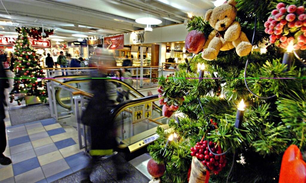 """SØNDAGSÅPENT: Butikkene er åpne de siste søndagene før jul. Det holder med de dagene, mener artikkelforfatteren. Foto: Olav Urdahl / Aftenposten / <div> <span style=""""background-color: initial;"""">NTB Scanpix&nbsp;</span></div>"""