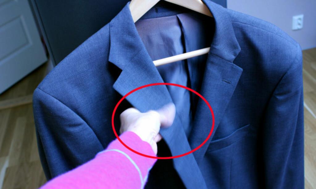 NØDHJELP TIL DRESSEN: Flekker på dressen? Prøv spytt! Foto: Kristin Sørdal