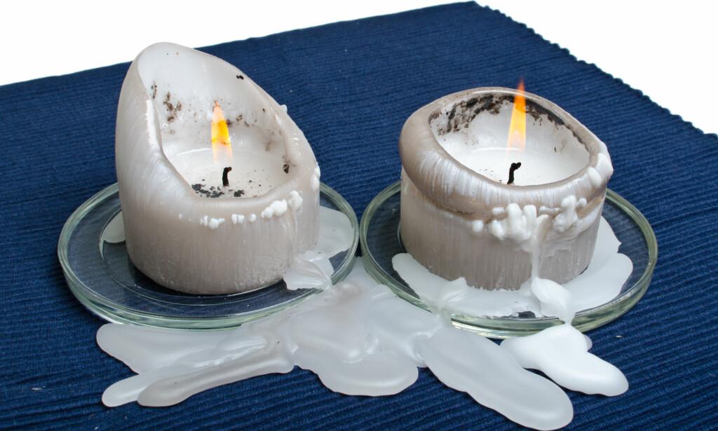 STEARINSØL? Frem med zalo og varmtvann, hårføner eller strykejern og trekkpapir. Foto: Shutterstock/NTB Scanpix