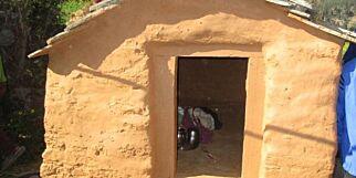 image: Jente (15) døde etter å ha blitt plassert i «menstruasjonshytte»