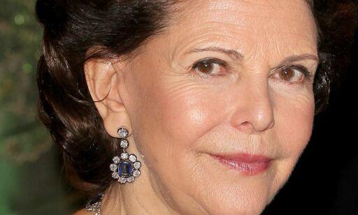 image: Dronning Silvia ute av sykehuset