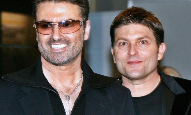 PARTNEREN: Michael og partneren Kenny Goss ved en tilstelning i 2005. Foto: AFP