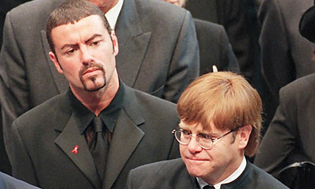 SØRGER OVER DIANA: George Michael og hans gode venn Elton John i prinsesse Dianas begravelse i 1997. Foto: AFP / JOHNNY EGGITT