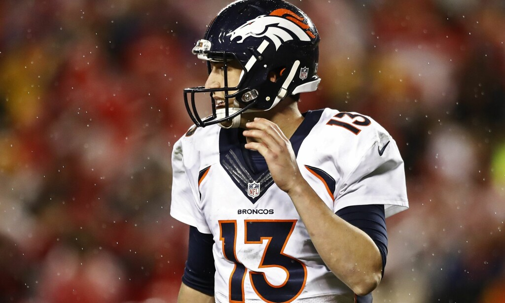 UTE: Denver Broncos og quarterback Trevor Siemian. Foto: NTB Scanpix/ EPA/LARRY W. SMITH