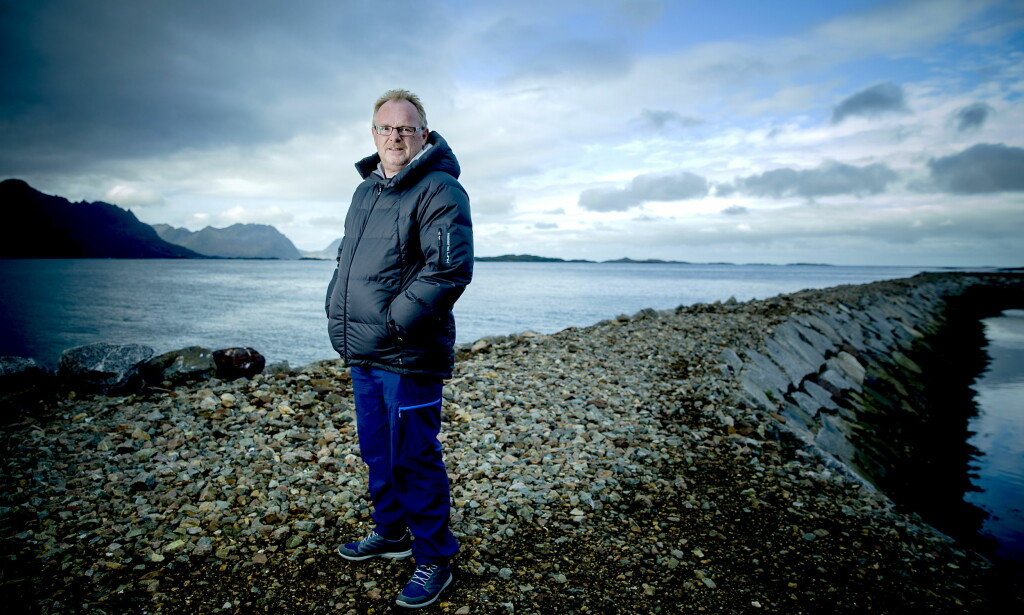 TRAKK SEG: Fiskeriminister Per Sandberg valgte i går å trekke som nestleder i Frp, kort tid etter at han fikk avskjed som Fiskeriminister. Det er ikke første gang det blåser rundt Sandberg i løpet av hans 21 år i storpolitikken. Foto: Bjørn Langsem