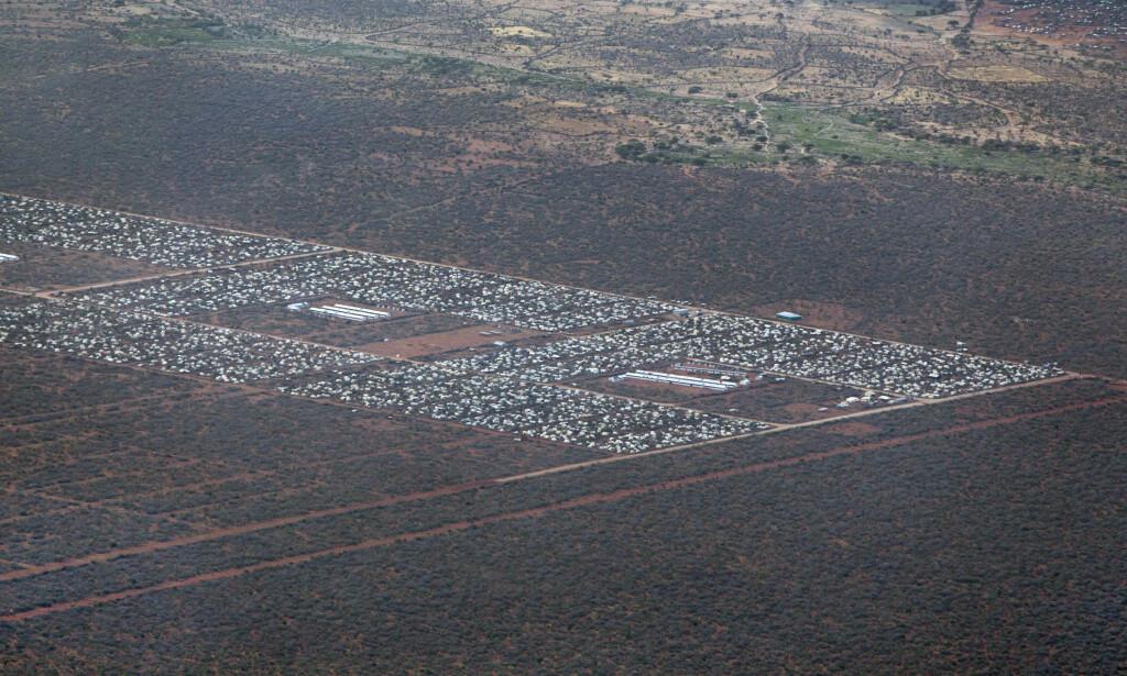 VERDENS STØRSTE: Flyktningleiren i Dadaab i Kenya er verdens største. Den skal nå stenges, noe som gjør at mennesker tvinges til å returnere fra den og tilbake til Somalia. Foto: AP / NTB Scanpix.