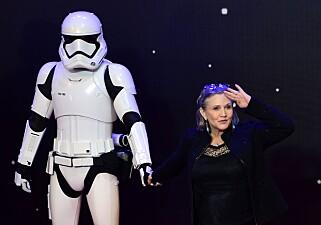 SPILTE LEIA: Carrie Fisher døde etter å ha fått et hjerteinfarkt på et fly, lille julaften. Hun ble 60 år. FOTO: Leon Neal / AFP / NTB Scanpix