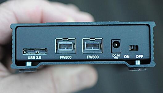 <strong>SJELDEN VARE:</strong> Eksterne SSD-er med Firewire 800-tilkobling er ikke så lett å få tak i. (Foto: Tore Neset)