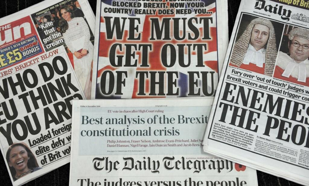 STEILE FRONTER: Slik så forsidene av britiske aviser ut dagen etter at høyesterett avgjorde at den konservative regjeringen ikke egenhendig kunne aktivere artikkel 50 og dermed stare utmeldingsprosessen av EU. Foto: AFP / NTB Scanpix