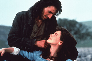STORMFULLE HØYDER: Boken «Stormfulle høyder» av Emily Brontë er filmatisert en rekke ganger. Bildet er fra en filmatisering fra 1992. FOTO: Mary Evans Picture / NTB Scanpix