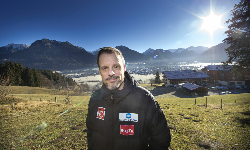 IDYLLISK: Alexander Stöckl utenfor hotellet i Oberstdorf i Tyskland. Foto: Terje Bendiksby / NTB Scanpix