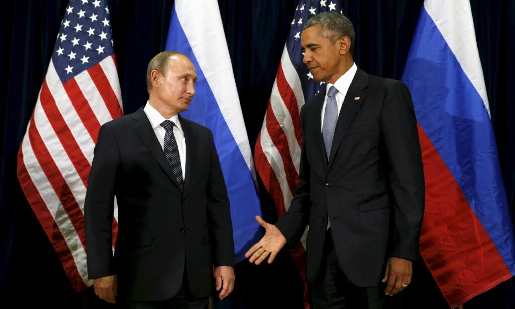 - GODT NYTT ÅR: I en uttalelse hvor Russlands president Vladimir Putin forklarer hvorfor han ikke vil utvise amerikanske diplomater, kaller han USAs sanksjoner for «kjøkken-diplomati». Så ønsker han Barack Obama og hans familie et godt nytt år. Foto: Reuters / NTB Scanpix