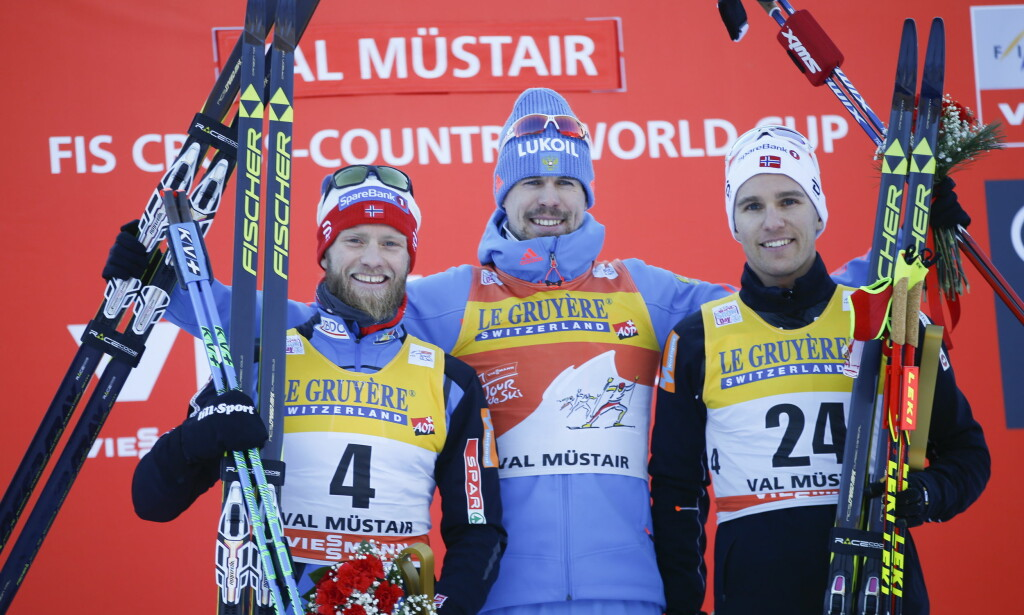 DAGENS PALL: Sergej Ustjugov vant fellesstarten foran Martin Johnsrud Sundby og Didrik Tønseth. Foto: Terje Pedersen / NTB Scanpix