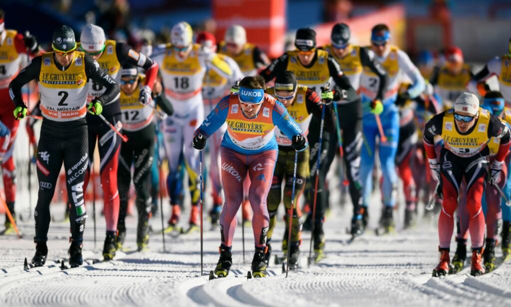 EN ÆRLIG RUSSER FØRST: Sergej Ustiugov har to av to seire i årets Tour de Ski, og kan like gjerne vinne sammenlagt. Sånt er mulig også for en ærlig russer. FOTO: AFP/ Fabrice Coffrini.