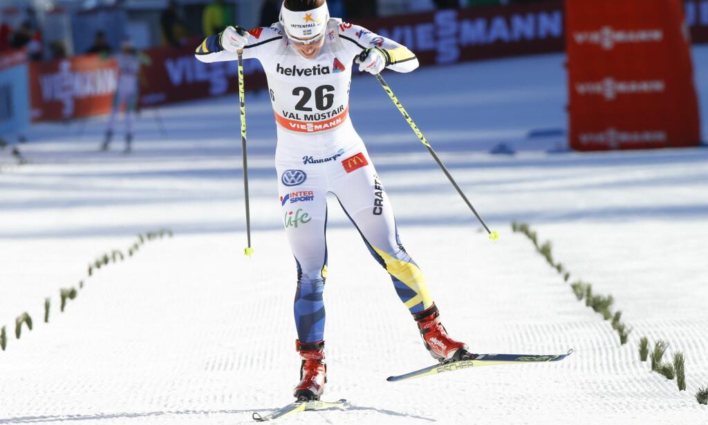 TUNGT: Charlotte Kalla, her fra prologen lørdag, har fått en tung start på Tour de Ski. Foto: NTB Scanpix