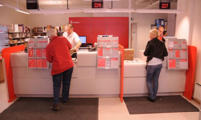 91b8c5f9 VENT LITT: I PostNord-butikkene får du ikke utlevert pakka før du viser  gyldig