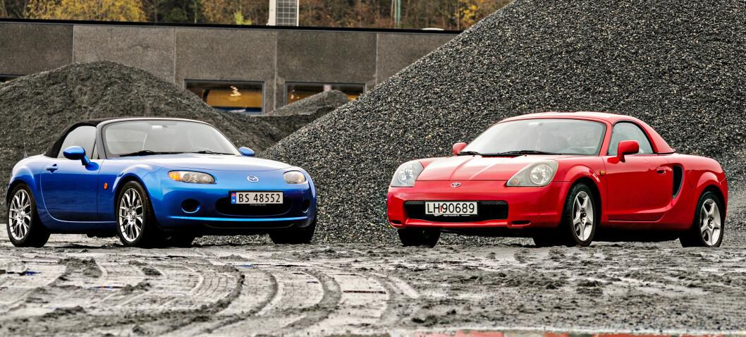 <strong><b>MORRO FOR SMÅPENGER:</strong></b> Disse bilene måles i smil per mil, og de blir det mange av. Vi gir deg fordeler og ulemper med begge morobilene. Foto: KAJ ALVER
