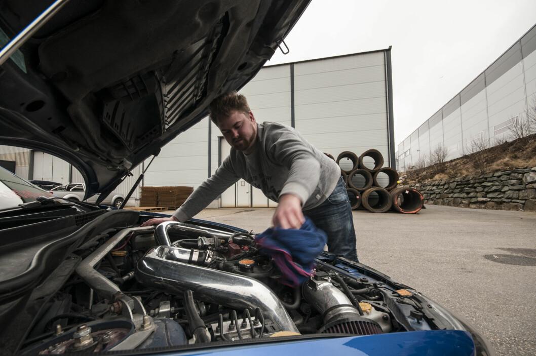 <strong><b>POWER:</strong></b> Det er pusset litt på motorern for å få litt mer effekt. Foto: KAJ RATH ALVER