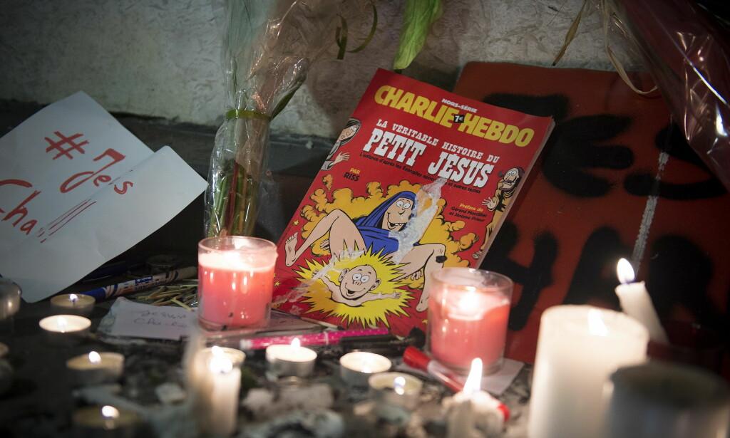 JANUAR 2015: Det er gått to år siden terroraksjonen mot satiremagaisnet Charlie Hebdo. Her på Place de Republique i sentrum av Paris, der tusenvis av mennesker møtte opp for å vise avsky mot angrepet. Foto: Øistein Norum Monsen / DAGBLADET