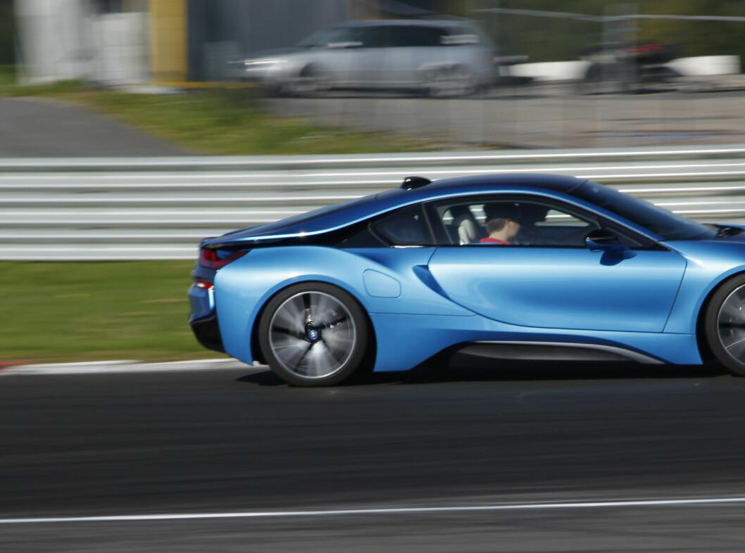 <strong><b>MODIG:</strong></b> BMW trekker strikken langt på sine i-modeller. Skulle ønske de turte litt mer i sitt vanlige program. Foto: RUNE M. NESHEIM