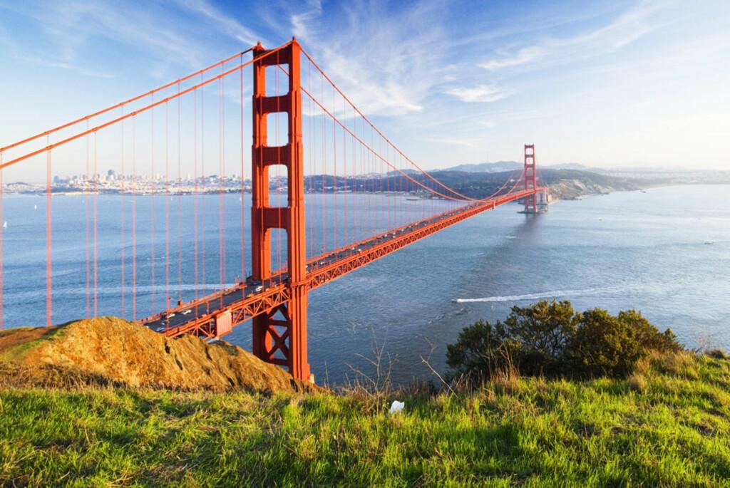 Verdens mest berømte bro,Golden Gate, kan du ta dine egne unike bilder av. Vær obs på et hyppig værskifte. Tåken kommer fort. Foto: PantherMedia / Somchai Jongmeesu
