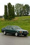 Test: ;BMW ;M760Li xDrive Sportsbil kledd i smoking