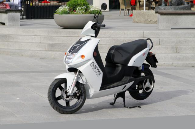 Utrolig Test: Govecs elektrisk scooter: For de som trenger spenning i YL-07