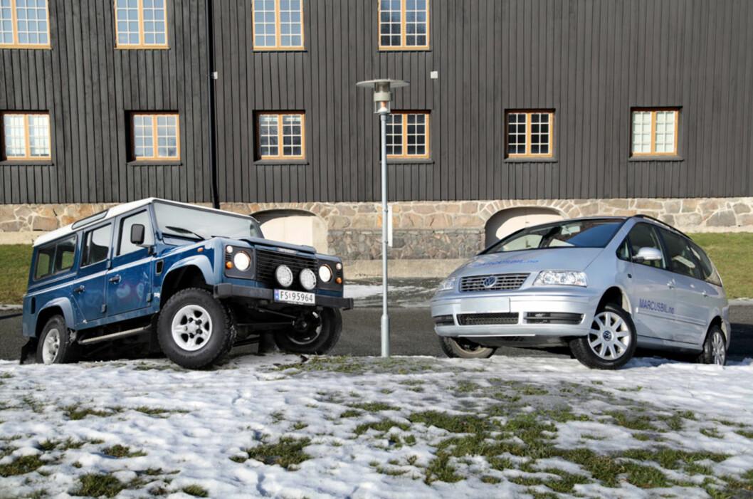 Hammeren eller neglefila? Tro det eller ei, Land Rover Defender og Volkswagen Sharan 4Motion har faktisk noe til felles... Foto: Stein Inge Stølen