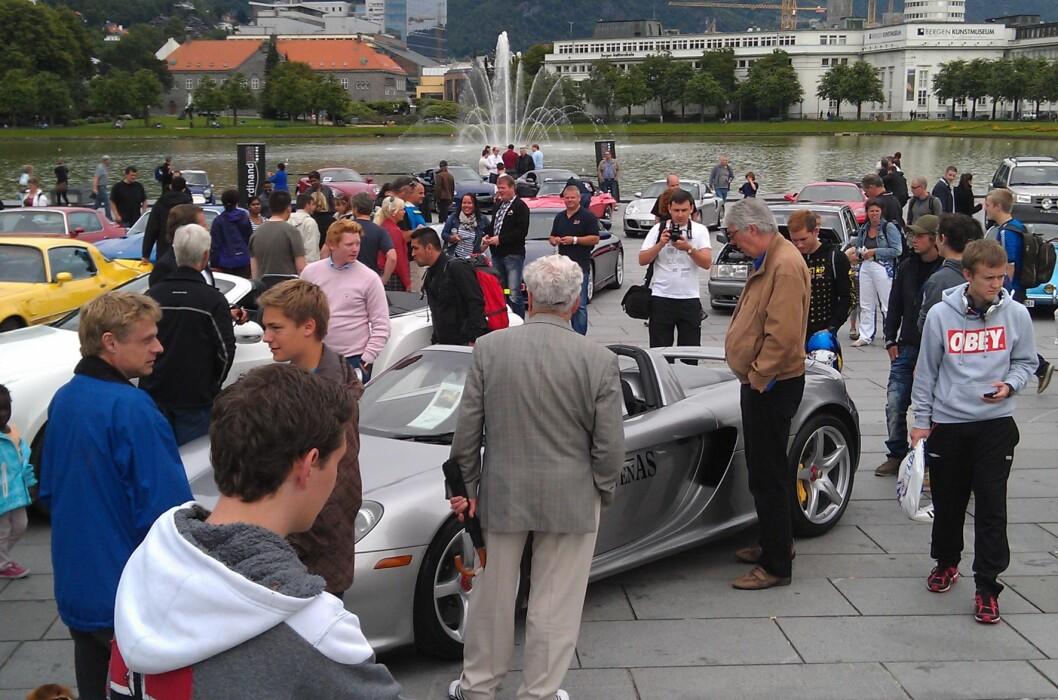 Ustillingens dyreste bil, en Porsche Carrera GT, står til salgs for rundt 3,5 millioner.