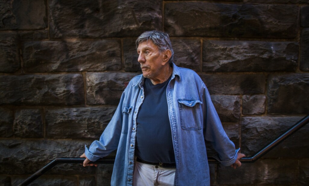 GIKK BORT: William Blatty  er død, 89 år gammel. Blatty skrev boka «The Exorcist», som skremte en hel verden. Foto:  EPA/JIM LO SCALZO
