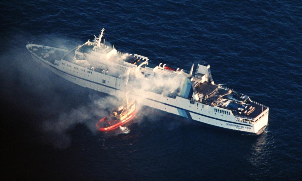 DØDSBRANN: 159 personer omkom, de fleste nordmenn, i brannen på Scandinavian Star i april 1990. Foto Per Løchen / NTB