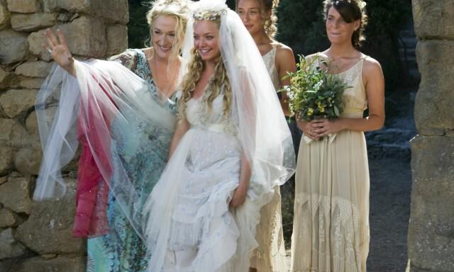 845c77c8 SLIK FÅR VI IKKE SE HENNE: Her er Amanda som hvit brud i den romantiske